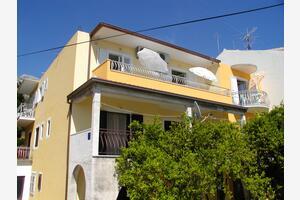 Apartmanok parkolóhellyel Podgora (Makarska) - 12306