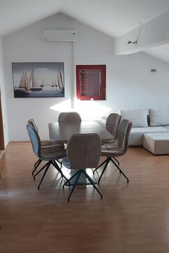 Sukošan, Dining room in the apartment, (pet friendly) and WiFi.
