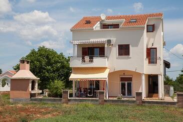 Sukošan, Zadar, Objekt 12313 - Apartmaji s prodnato plažo.