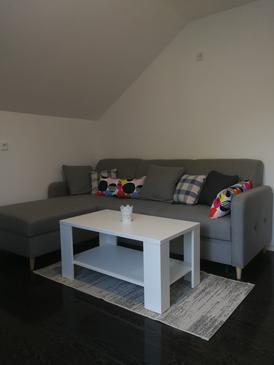 Smoljanac, Woonkamer in the apartment, air condition available en WiFi.