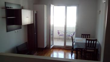 Split, Comedor in the studio-apartment, WiFi.