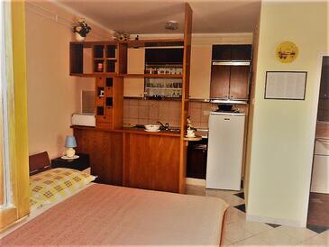 Rabac, Kuchyňa v ubytovacej jednotke studio-apartment, WIFI.