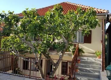 Posedarje, Novigrad, Объект 12402 - Апартаменты вблизи моря с галечным пляжем.