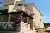 Апартаменты с парковкой Mandre (Pag) - 12409