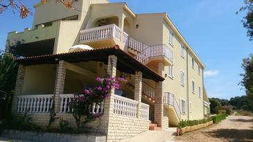 Mandre, Pag, Property 12409 - Apartments with pebble beach.