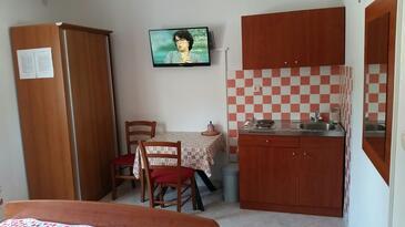 Novalja, Kuhinja u smještaju tipa studio-apartment, WiFi.