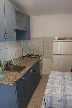Basina, Kitchen in the apartment, (pet friendly) and WiFi.