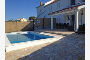 Family friendly house with a swimming pool Veli Rat (Dugi otok) - 12436