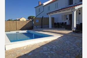 Rodinný dům s bazénem Veli Rat (Dugi otok) - 12436