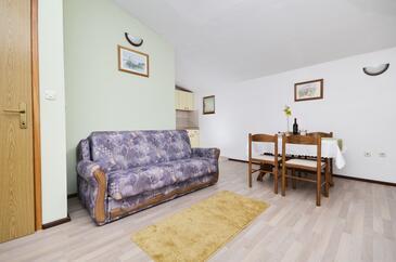 Baška Voda, Obývací pokoj v ubytování typu apartment, WiFi.