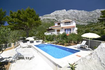 Baška Voda, Makarska, Property 12442 - Apartments with pebble beach.