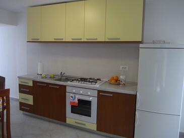 Kuchyně    - K-12472