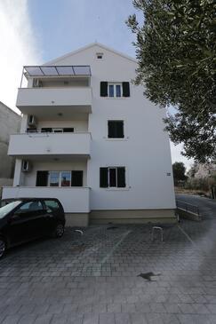 Supetar, Brač, Объект 12489 - Апартаменты с галечным пляжем.