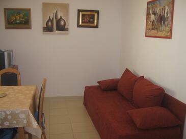 Baška Voda, Jedáleň v ubytovacej jednotke studio-apartment, WIFI.