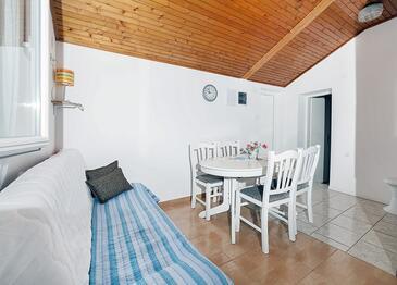 Brseč, Salle à manger dans l'hébergement en type apartment, WiFi.