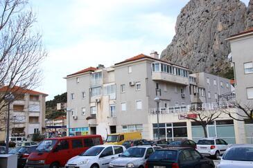 Omiš, Omiš, Objekt 12525 - Apartmaji s peščeno plažo.