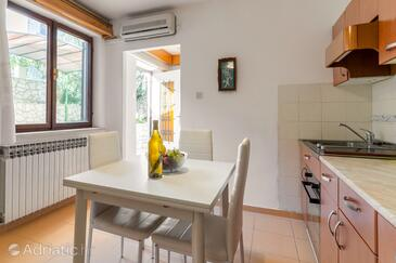 Mali Lošinj, Dining room in the apartment, air condition available, (pet friendly) and WiFi.