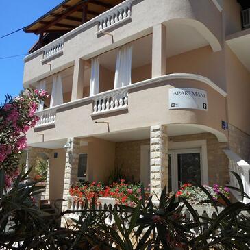 Vodice, Vodice, Объект 12552 - Апартаменты с галечным пляжем.