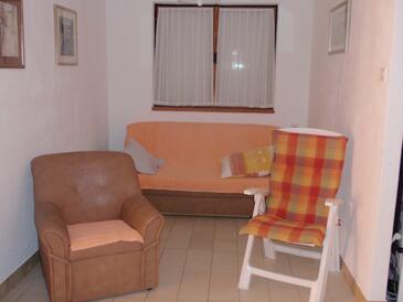 Bušinci, Obývací pokoj v ubytování typu apartment, s klimatizací, domácí mazlíčci povoleni a WiFi.
