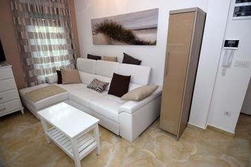 novakova eazzynight apartment zagreb living room. stan zagreb 3 ...