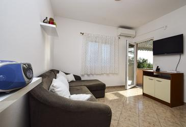Rtina - Stošići, Living room in the apartment, air condition available and WiFi.