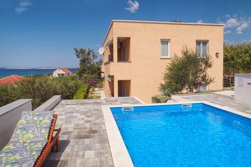 Rtina - Stošići, Zadar, Propiedad 12581 - Apartamentos near sea with pebble beach.