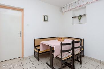 Crikvenica, Salle à manger dans l'hébergement en type apartment, WiFi.