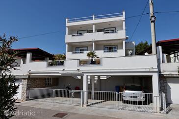 Crikvenica, Crikvenica, Hébergement 12592 - Appartement avec une plage de galets.
