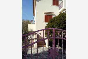 Appartamenti con parcheggio Cherso - Cres - 12609