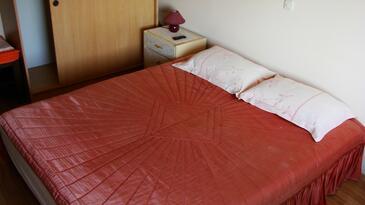 Brna, Spálňa v ubytovacej jednotke room, dostupna klima i WIFI.
