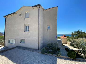 Maslenica, Novigrad, Objekt 12636 - Ubytování s oblázkovou pláží.