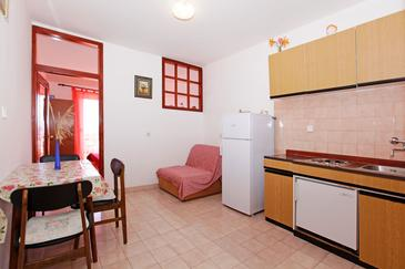 Prižba, Dining room in the studio-apartment, (pet friendly) and WiFi.