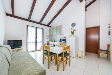 Ždrelac, Blagovaonica u smještaju tipa apartment, dostupna klima, kućni ljubimci dozvoljeni i WiFi.