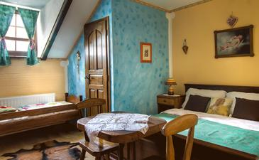 Gredice, Bedroom in the room, air condition available, (pet friendly) and WiFi.