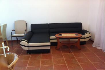 Vir, Obývacia izba v ubytovacej jednotke apartment, klimatizácia k dispozícii.