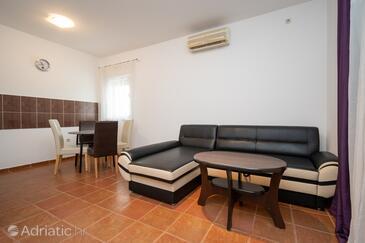 Vir, Wohnzimmer in folgender Unterkunftsart apartment, Klimaanlage vorhanden.