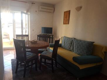 Mavarštica, Sala da pranzo nell'alloggi del tipo apartment, condizionatore disponibile e WiFi.