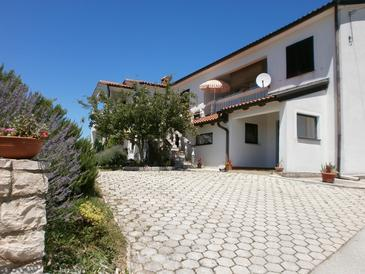 Vižinada, Središnja Istra, Propiedad 12698 - Apartamentos with pebble beach.