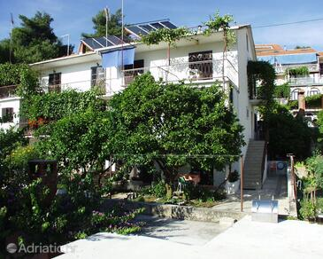 Jelsa, Hvar, Property 127 - Rooms near sea with pebble beach.