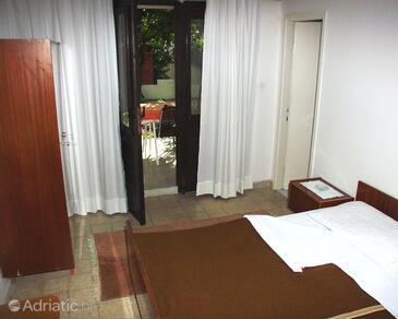 Jelsa, Ložnice v ubytování typu room, domácí mazlíčci povoleni a WiFi.
