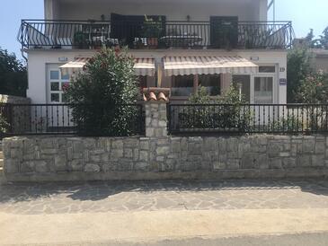 Varvari, Poreč, Property 12731 - Apartments with pebble beach.