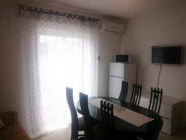 Kampor, Obývací pokoj v ubytování typu apartment, s klimatizací, domácí mazlíčci povoleni a WiFi.