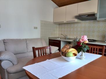 Kampor, Obývací pokoj v ubytování typu apartment, dopusteni kucni ljubimci i WIFI.