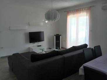 Kampor, Living room in the apartment, (pet friendly) and WiFi.