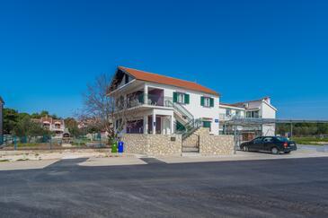 Biograd na Moru, Biograd, Property 12796 - Apartments with pebble beach.