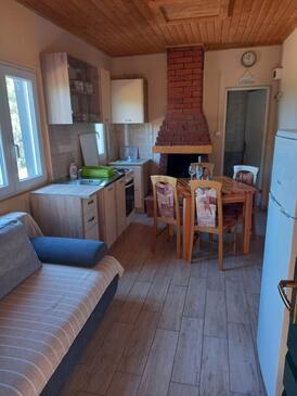 Neviđansko Polje, Obývací pokoj v ubytování typu house, domácí mazlíčci povoleni a WiFi.