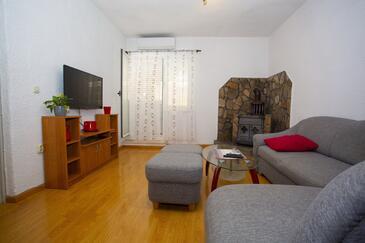 Podgora, Obývací pokoj v ubytování typu apartment, s klimatizací a WiFi.