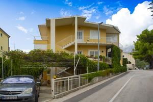 Apartments with a parking space Podgora, Makarska - 12816