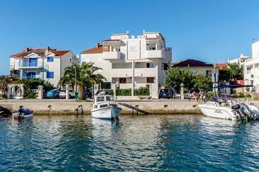 Rogoznica, Rogoznica, Obiekt 12820 - Apartamenty przy morzu ze żwirową plażą.