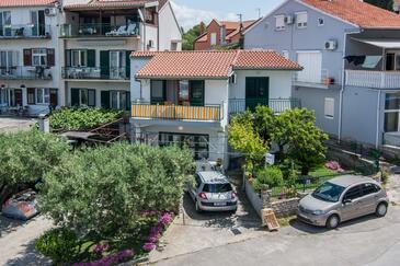 Biograd na Moru, Biograd, Объект 12829 - Апартаменты вблизи моря с галечным пляжем.